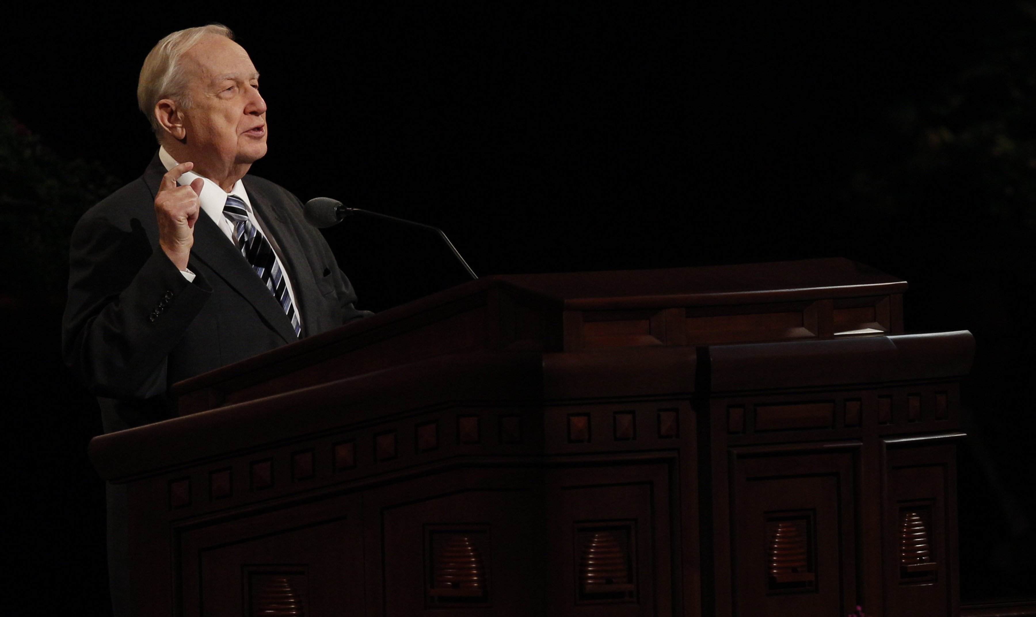 Beloved Mormon Apostle Richard G. Scott Passes Away at 86